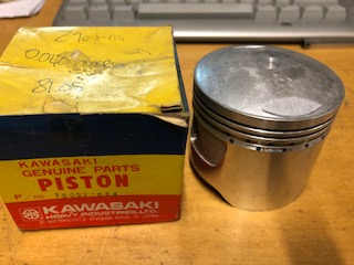 "Kawasaki Z900, Z1, KZ900 0.040"" (1.00 OVERSIZE 67mm) PISTON GENUINE"