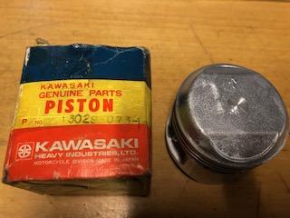"KAWASAKI Z400, KZ400 TWIN 0.20"" (0.50mm OVERSIZE) PISTON"