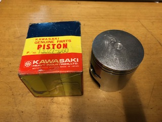 "KAWASAKI KH400 0.040"" (1.00mm oversize) PISTON NOS"