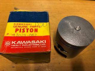 "KAWASAKI KH400 0.020"" (0.50mm oversize) PISTON NOS"
