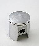 SUZUKI RG250 (EARLY MODEL) PISTON KIT (STD TO 2.00mm OVERSIZE) JAPAN